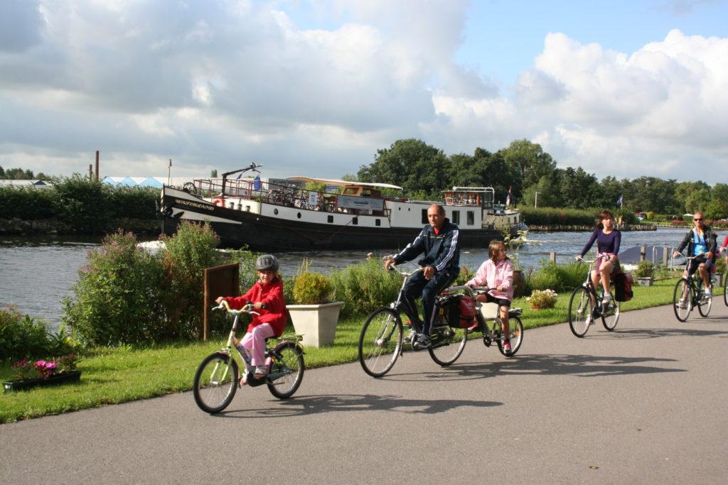 Galería de fotos Holanda, Lago IJssel en familia