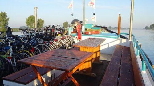 Galería de fotos Holanda con niños en bici y barco-1