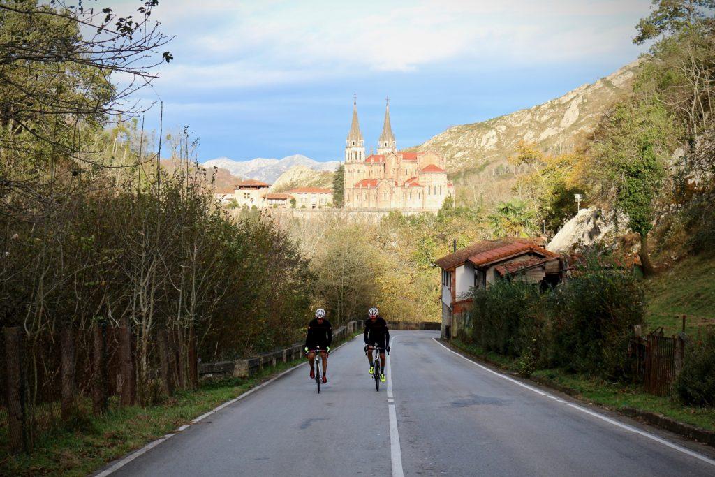 Mítica de La Vuelta: Lagos de Covadonga y La Cubilla-1